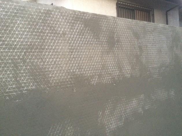 白い壁塗り