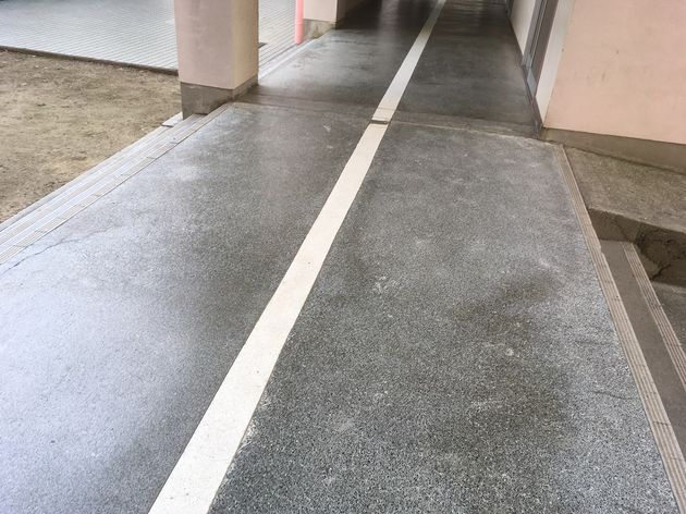 人研ぎ学校の廊下