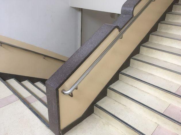 人研ぎ階段手すり